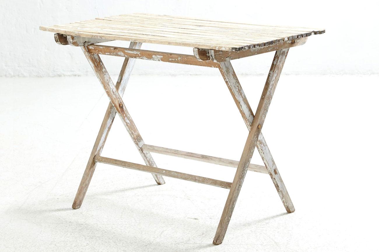 Il tavolo verde conjunto de mesa y sillas de jard n for Conjunto de mesa y sillas de jardin