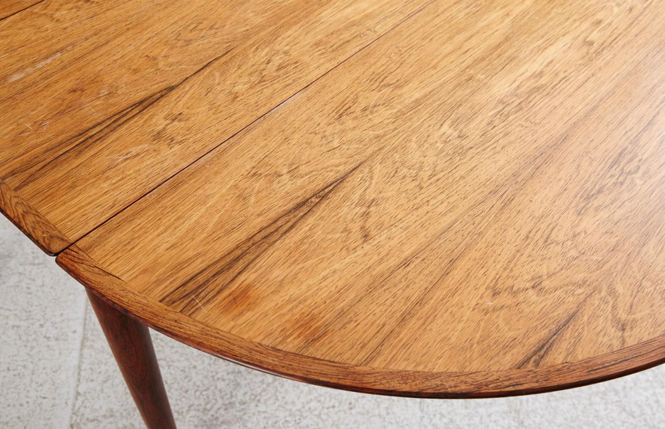 Mesa en palosanto de Arne Vodder