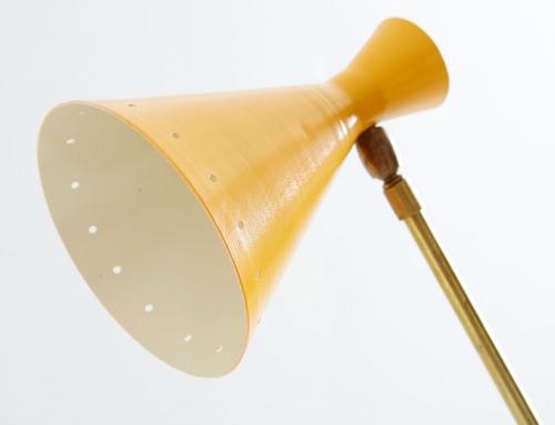 Lámpara de mesa Stilnovo con contrapeso