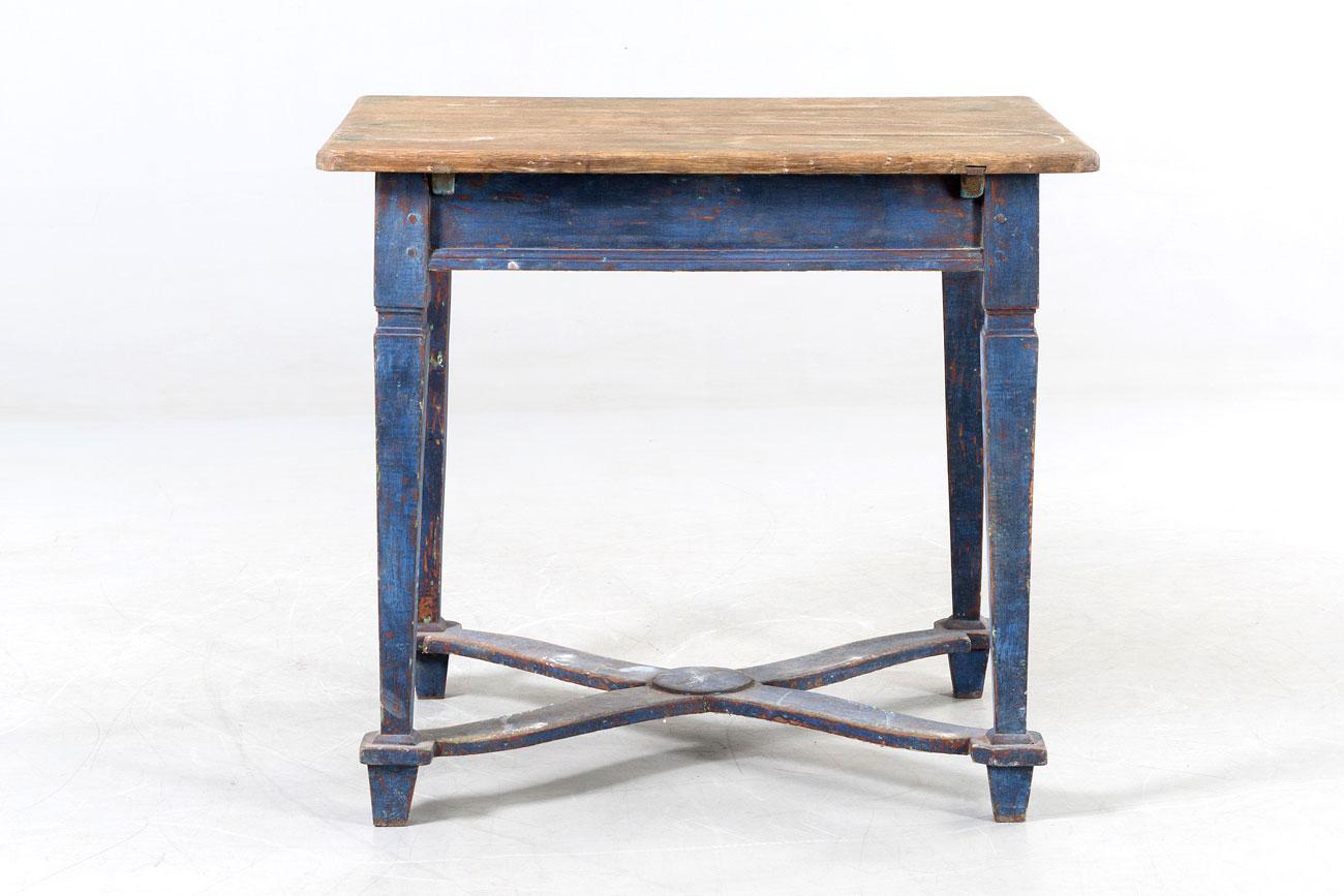 Mesa barroca azul del siglo 18