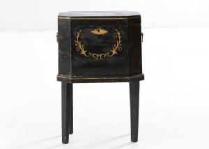 Cofre o alhajero sueco del siglo XVIII
