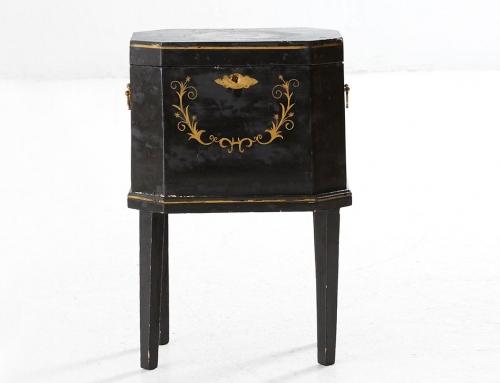 Cofre o alhajero sueco del siglo XVIII – Vendido